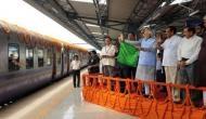 मोदी सरकार में रेल यात्रियों के आए अच्छे दिन, मात्र 25 रुपये लगाकर महीने भर करें मुफ्त में यात्रा