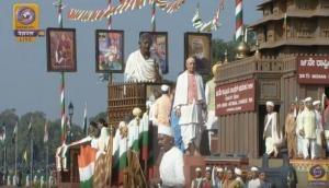 महात्मा गांधी को समर्पित रही 70वें गणतंत्र दिवस परेड की झाकियां, हर राज्य ने दिखाया बापू का संघर्ष