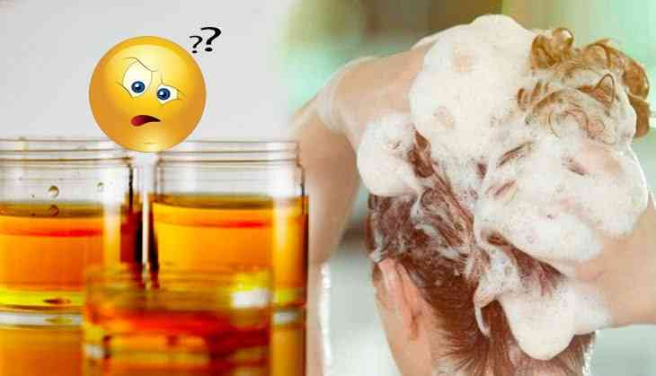 OMG! This woman used urine to wash her hairs to get rid of dandruff