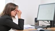ऑफिस में इस तरह बैठना आपकी सेहत पर पड़ सकता है भारी, तत्काल बदलें अपना ये तरीका