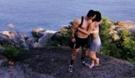 ब्वॉयफ्रेंड संग पहाड़ी पर खुलेआम रोमांस करती कैमरे में कैद हुईं टाइगर श्राफ की बहन, तस्वीरें वायरल