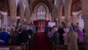 एक परिवार को बचाने के लिए चर्च में 2327 घंटे चली प्रार्थना, हुआ ऐसा असर जाकर रह जाएंगे दंग