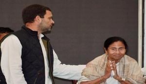 Rahul Gandhi spoke Mamta Banerjee over Centre of misusing CBI and said, 'we stand shoulder to shoulder with her'