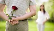 वैलेंटाइन पर इन्हें दे इस कलर का गुलाब, कहीं हो न जाए धोखा और फिर..