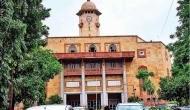 गुजरात यूनिवर्सिटी का 300 विदेशी छात्रों को फरमान, बिना अनुमति मीडिया और पुलिस से न करें बात