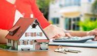 Vastu Tips for Home : भूलकर भी ना बनवाएं ऐसी जगहों पर घर, वरना जिंदगी भर रहेंगे परेशान !