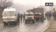 जम्मू-कश्मीर: CRPF के काफिले पर बड़ा आतंकी हमला, 40 जवान शहीद, गाड़ी के उड़ गए परखच्चे