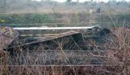 झारखंड में रेल पटरी पर बम ब्लास्ट, दो गाड़ियां पलटी