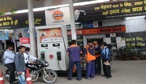 कच्चे तेल की कीमतों में नरमी से पेट्रोल-डीजल के दाम स्थिर, जानें क्या है आज तेल का रेट