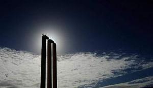 महज 24 रन पर आलआउट हुई ये टीम, 7 बल्लेबाज़ नहीं खोल सके खाता, बना डाला ये शर्मनाक रिकॉर्ड