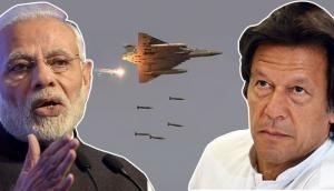 Air Strike: महीने भर बाद भी PM मोदी के खौफ से नहीं उबरा पाकिस्तान, डर के मारे किया ये काम
