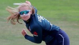 इंग्लैंड टीम को लगा बड़ा झटका, चोट की वजह से ये स्टार प्लेयर हुई सीरीज से बाहर