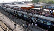 होली में घर जाने वालों को खुशखबरी, रेलवे इन रूट्स पर चलाने जा रहा है स्पेशल ट्रेन