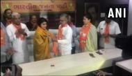 भारतीय ऑलराउंडर क्रिकेटर रवींद्र जडेजा की पत्नी रिवाबा बीजेपी में हुईं शामिल