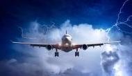3500 फीट की ऊंचाई पर उड़ रहे विमान से गिरा युवक, बगीचे में इस हालत में मिली लाश