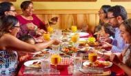 अगर आप भी खाना खाने के तुरंत बाद करते हैं ये काम तो खतरनाक बीमारी के हो सकते हैं शिकार