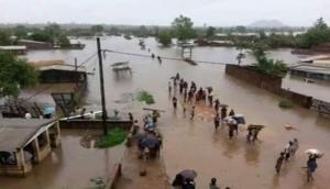 Cyclone Idai: Death toll exceeds 300 in Mozambique as UN boosts aid