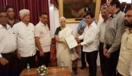 गोवा: कांग्रेस के इस दांव से BJP के हाथ से छिन जाएगी सत्ता, राज्यपाल से की मुलाकात