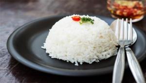 चावल के साथ आप रोजाना खा रहे हैं जहर, हो सकती हैं कैंसर जैसी कई गंभीर बीमारियां