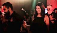 IPL से पहले पत्नी अनुष्का शर्मा संग रोमांटिक अंदाज में पार्टी करते दिखे विराट कोहली, वीडियो हुआ वायरल