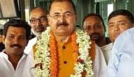 यूपी: ट्विटर पर 'दो गुजराती ठग' कहने वाले बीजेपी नेता को पार्टी ने निष्काषित किया