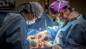 युवक के पेट में हो रहा था तेज दर्द, ऑपरेशन किया तो मिली ऐसी चीज देखकर डॉक्टर भी रह गए दंग