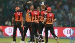 IPL 2019: हैदराबाद के गेंदबाजों के सामने बेबस नजर आए दिल्ली के बल्लेबाज, बनाए 129 रन