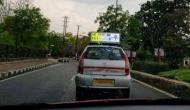 IPL का ऐसा क्रेज, स्कोर से अपडेट रहने के लिए टैक्सी ड्राइवर ने निकाला यह नायाब तरीका
