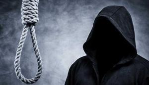 फांसी पर लटकाने के दौरान अपराधी के कान में आखिर क्या बोलता है जल्लाद? जानें ये रोचक तथ्य