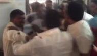 Video: पोलिंग स्टेशन में TDP और YSRCP कार्यकर्ताओं के बीच जमकर चले लात-जूते