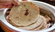 ज्यादा रोटी खाना बन सकता है मौत का कारण, जो खाते हैं बासी उन्हें हो जाती है गंभीर बीमारी