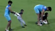 IPL 2019: 'बेबी सिंटिग' में मास्टर बने ऋषभ पंत, धवन के बेटे के साथ की मस्ती, देखें वीडियो