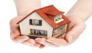 Vastu Tips: घर में खिड़की दरवाजे लगवाते वक्त रखें इन बातों का ख्याल, अपनाएं ये वास्तु टिप्स