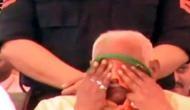 मंच पर नहीं मिला बोलने का मौका तो वहीं फूट फूट कर रोने लगे बीजेपी नेता