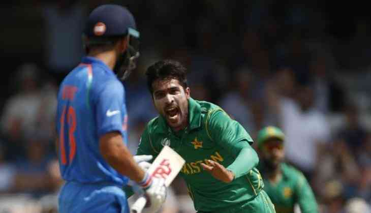 Pakistan bowler Mohammad Amir gets two official warnings from umpire