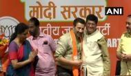 पिता धर्मेेंद्र के नक्शेकदम पर सनी देओल, BJP के टिकट पर गुरुदासपुर से लड़ेंगे लोकसभा चुनाव
