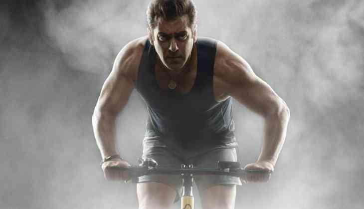 Truth behind Salman Khan snatching fan's phone revealed, 'Bodyguard warned the fan first'