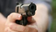 शराब पीने से रोकने पर पिता ने  17 साल बेटी को मारी गोली