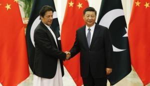 कंगाली के कगार पर पहुंचे पाकिस्तान को मिली संजीवनी, चीन ने किया अरबों डॉलर की आर्थिक सहायता का एलान