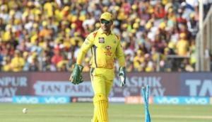 IPL 2019 : धोनी के नाम दर्ज हो सकता है एक और रिकार्ड, कार्तिक के इस रिकार्ड के करीब पहुंचे धोनी
