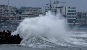 चक्रवाती तूफान 'महा' का नहीं खत्म हुआ असर, इन राज्यों में अभी भी मचा सकता है तबाही