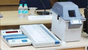 विपक्ष को बड़ा झटका, चुनाव आयोग ने VVPAT पर्ची के मिलान की मांग को किया खारिज