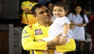 IPL 2019: चेन्नई के फैंस की इस हरकत पर धोनी की बेटी को आया गुस्सा, लगाई डांट, देखें वीडियो