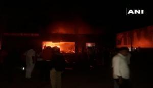 महाराष्ट्र: कपड़ा गोदाम में सो रहे थे मजदूर, तभी लगी भीषण आग, 5 की मौके पर मौत