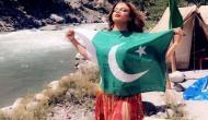 राखी सावंत ने पाकिस्तान के झंडे के साथ शेयर की सोशल मीडिया पर फोटो, तो भड़के यूजर्स ने लगा दी क्लास
