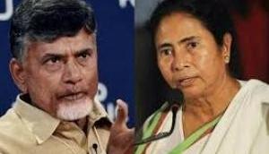 Mamata Banerjee and Chandrababu Naidu hold closed door meeting on Mahagathbandhan