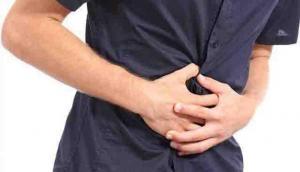 युवक के पेट में अचानक हुआ दर्द, हॉस्पीटल पहुंचा तो निकली ऐसी चीज जिसे देख डॉक्टर के उड़ गए होश