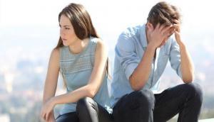 गर्लफ्रेंड बार-बार करती थी कॉल इसलिए नहीं हो पाया पास, परीक्षा में फेल होने पर युवक ने मांगे पैसे और फिर...