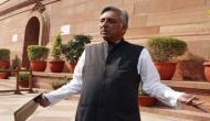 Video: रिपोर्टर के सवाल पर मारने दौड़े कांग्रेस नेता मणिशंकर अय्यर, फिर गाली देकर छोड़ा