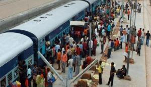 यात्रा करने से पहले देख लें ट्रेनों का स्टेटस, 221 ट्रेनें रद्द 89 के बदले रूट